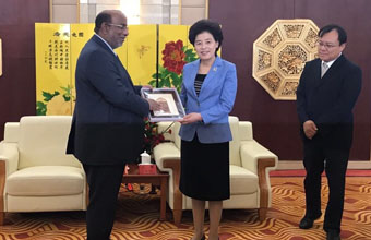 Ningxia Governor Receives SEZAD Chair