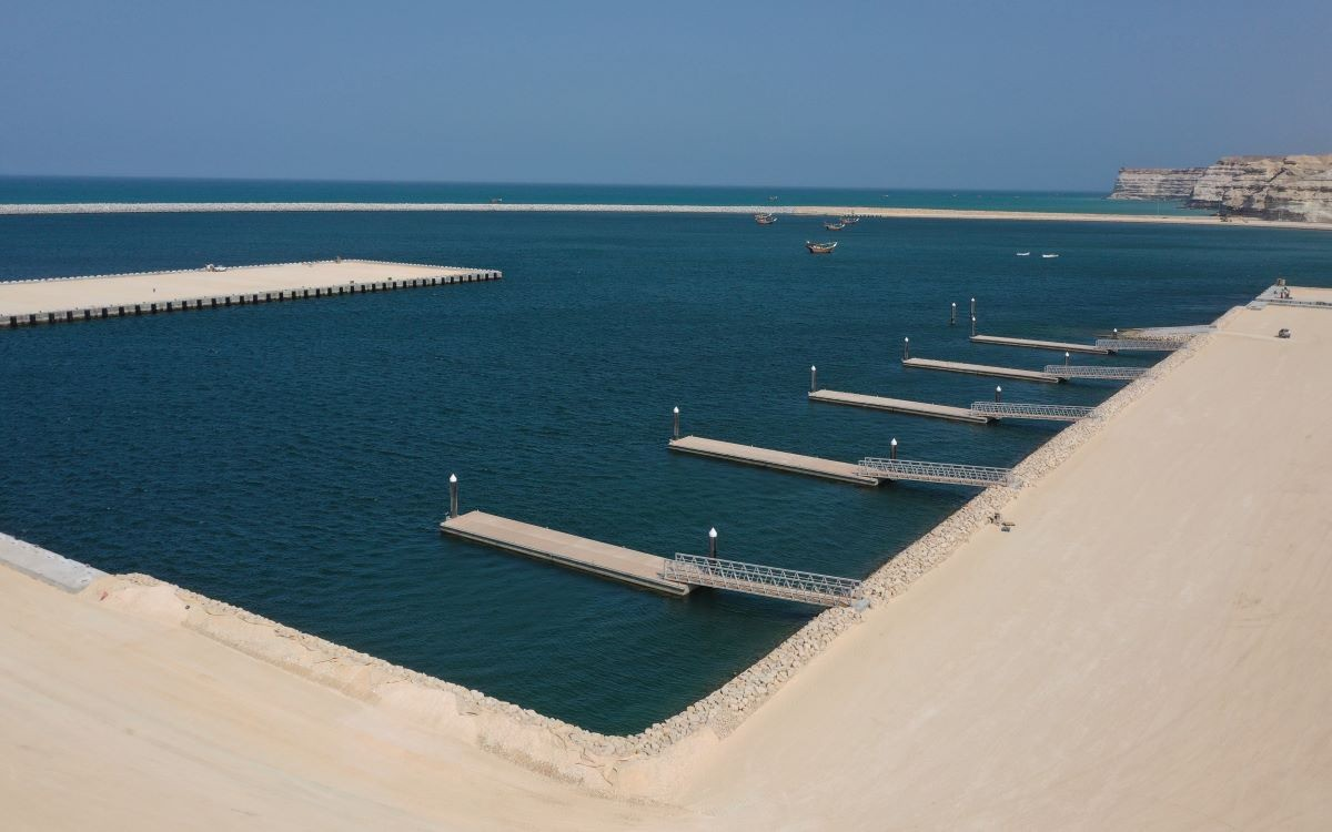 SEZAD announces completion of Fishing Port and hands it over to Investment Authority