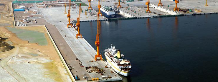 ميناء الدقم